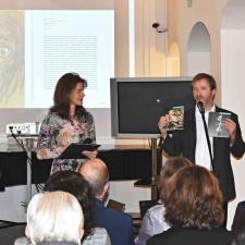 Zástupce nakladatelství Scala Arts & Heritage Neil Titman představuje edici Director's Choice